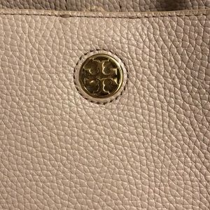 Tory Burch Bags - Tory Burch Perry Tote in blush leather